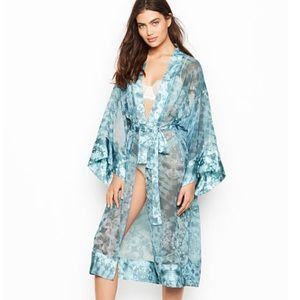 NWT Victoria's Secret Long Kimono Robe